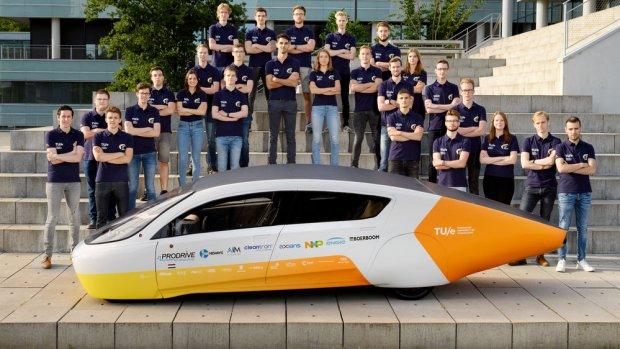 Zonneauto van TU Eindhoven zoekt zelfstandig de zon op