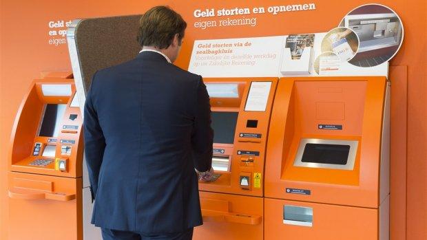 Banken willen betaaldata gebruiken: 'gewoon commercie'