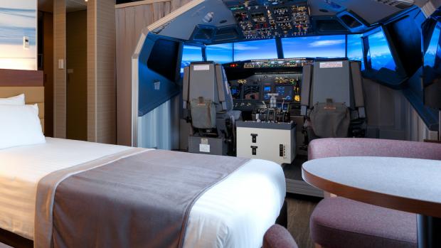 In dit hotel logeer je in een echte Boeing-cockpit