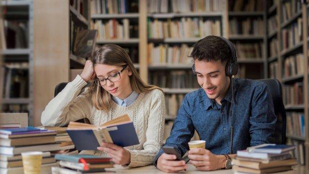 Boeken en podcasts: dit zijn de RTL Z-vakantietips