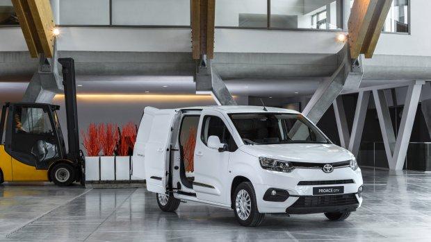 Elektrische busjes van Toyota en Fiat onderweg