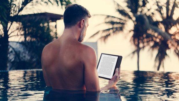 De beste waterdichte e-readers voor deze zomer