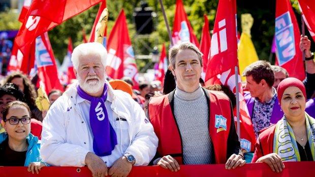 FNV: 'Kortingen op pensioenen voorlopig ijskast in'