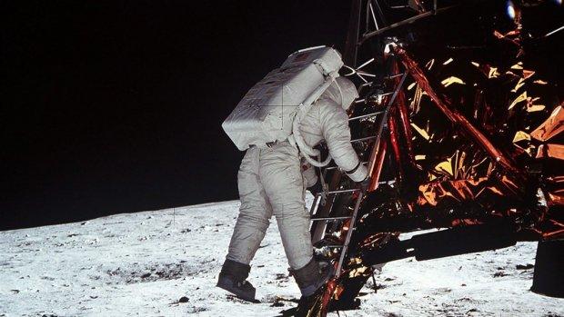 Kruimeldief en zonnebril: wat jij aan de maanlanding hebt gehad