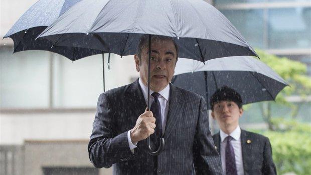 Gevallen autobaas Ghosn eist miljoenen via Nederlandse rechter