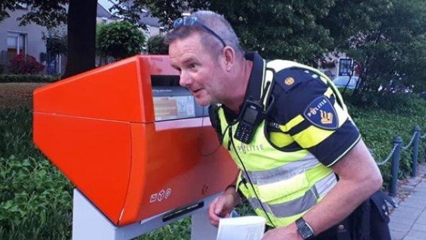 Politie vindt verloren telefoon terug in brievenbus