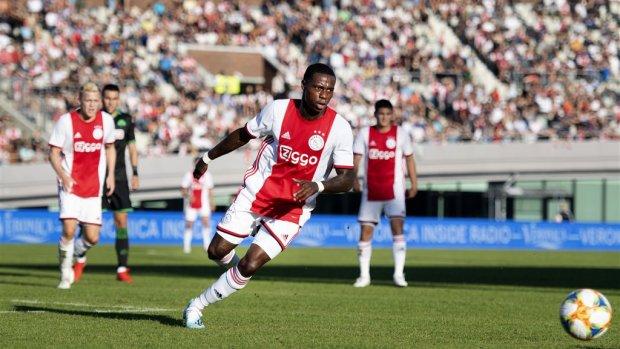 Biermerk Budweiser nieuwe sponsor Ajax voor 2 miljoen per jaar