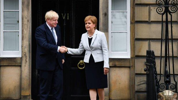 Koers Britse pond 4 procent lager na brexit-dreiging van  Johnson
