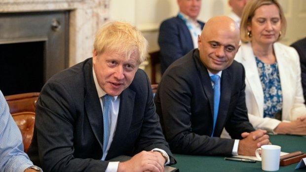 Johnson schroeft voorbereidingen no deal op: verdubbeling budget