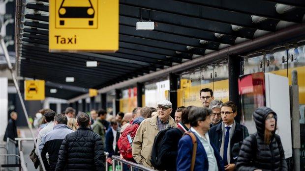 Taxi van vliegveld naar stad vaak vele malen duurder dan vliegticket