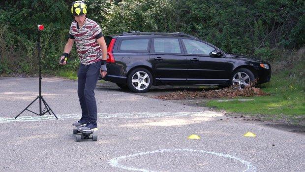 Review: dit e-skateboard gaat harder dan je hebben kan