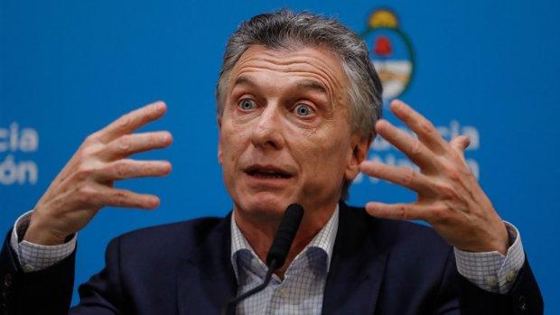 Crisis dreigt in Argentinië: peso, obligaties en beurskoers keihard onderuit