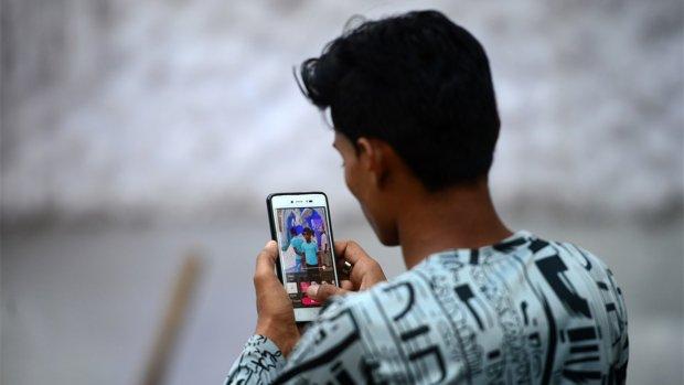 Techreuzen bestormen ontwikkelingslanden met uitgeklede apps