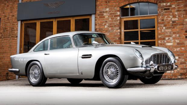 James Bond's Aston Martin geveild voor 5,7 miljoen euro