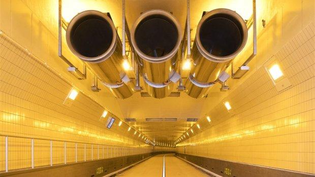 Maastunnel in Rotterdam na twee jaar renovatie weer open