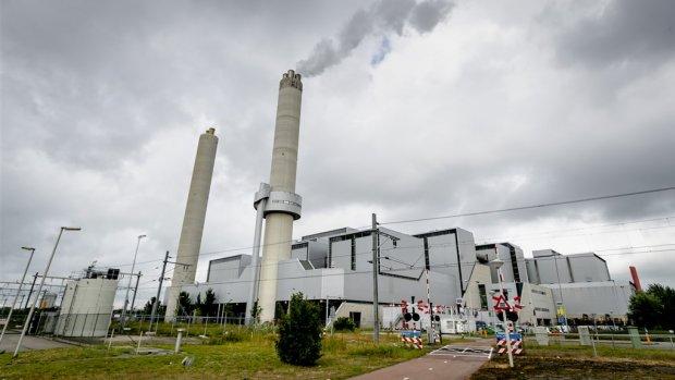 Amsterdam onderzoekt verkoop noodlijdende vuilverbrander AEB