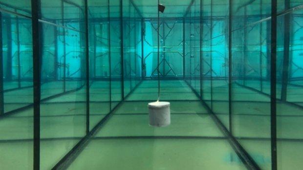 Nieuwe onderwatersensor van MIT heeft geen batterij nodig