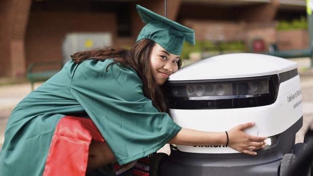 Robots gaan koffie en pizza bezorgen bij 100 universiteiten