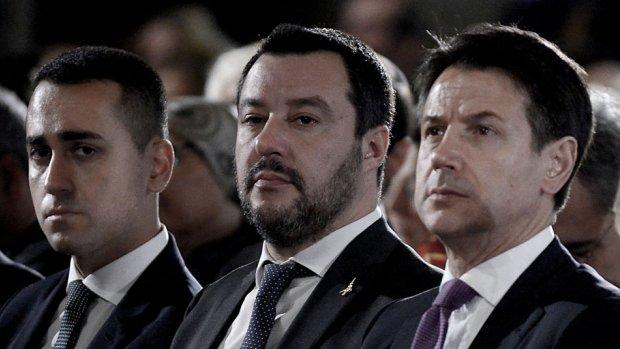 Crisis compleet in Italië: premier Conte biedt ontslag aan