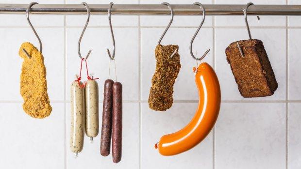 Vleesvervangers veroveren de supermarkt, maar op goede nepbiefstuk is het wachten