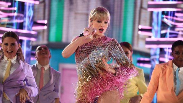 Taylor Swift overweegt werk opnieuw op te nemen in rechtengevecht