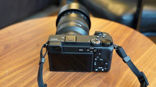 Sony kondigt nieuwe a6600 en a6100-camera's aan