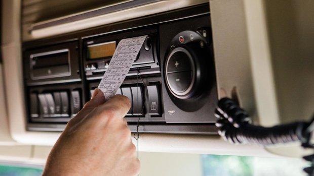 Justitie onderzoekt hacken tachografen in vrachtwagens