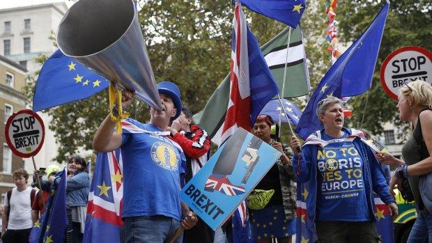 De brexit is nu echt een feit, Europees parlement stemt in met vertrek