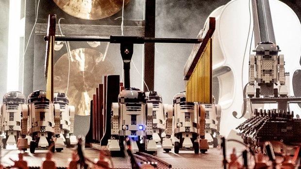 YouTuber bouwt Star Wars-robotorkest met 95 LEGO-robots