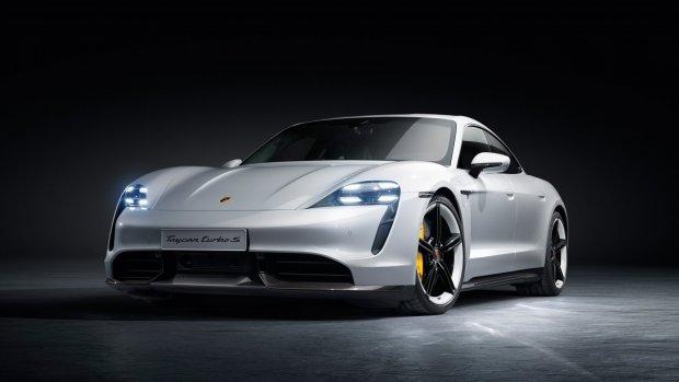 Elektrische Porsche Taycan officieel onthuld