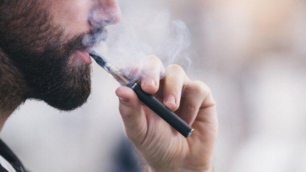 Nieuwe longziekte eist vijfde leven in VS: 'Stop met roken e-sigaret tot dit is onderzocht'