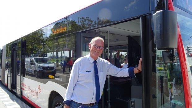 Van burgemeester naar buschauffeur: 'Het is gewoon heel leuk'