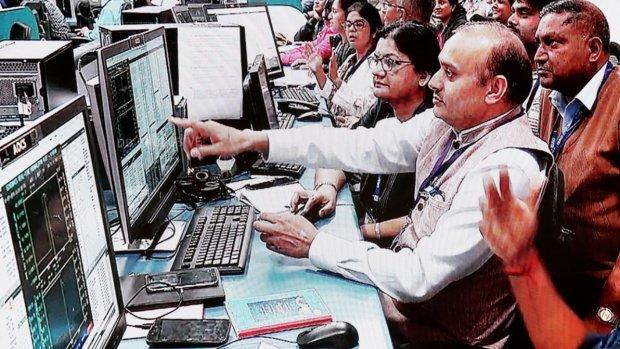 Indiase maanlander gelokaliseerd, maar contact blijft uit