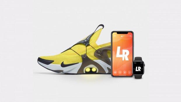 Getest: de eerste Nike sneakers met Siri bediening | RTL Nieuws
