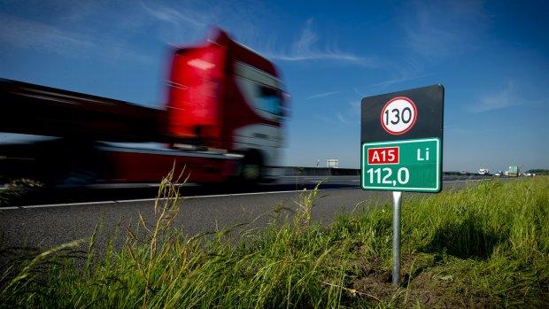 Advies aan kabinet: minder veeteelt, maximumsnelheid omlaag
