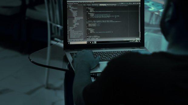 Celstraf geëist tegen oplichtende programmeur