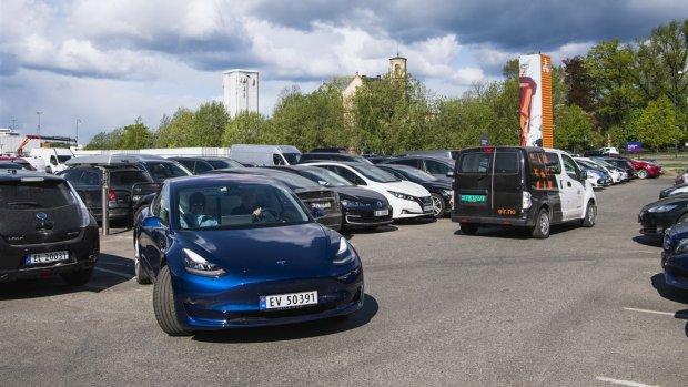 Tesla Model 3 blijft de best verkochte auto in Nederland
