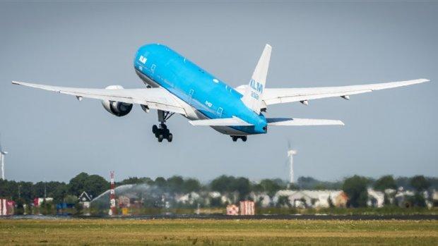 Cabinepersoneel KLM verwerpt nieuwe cao: 7 procent extra 'te weinig'