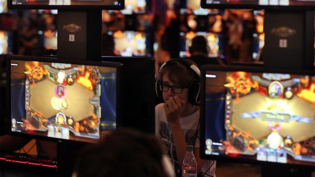 Blizzard onder vuur van politici na schorsen e-sporters