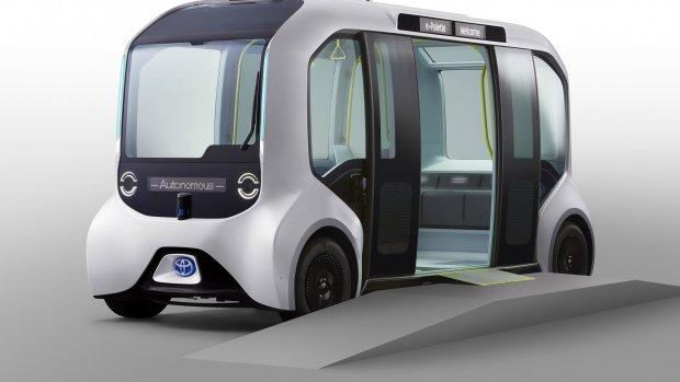 Zelfrijdende Toyota-busjes vervoeren Olympische atleten