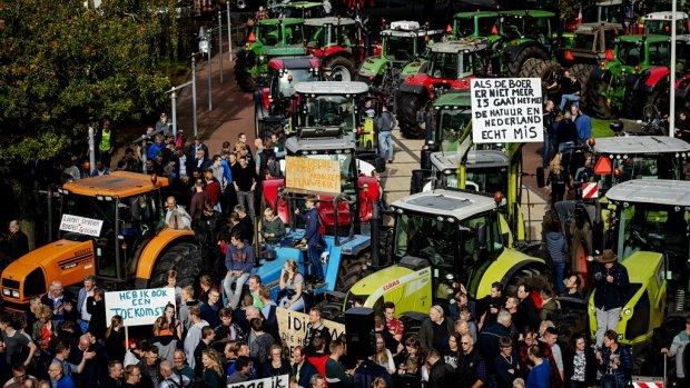 Provincies trekken nieuwe stikstofregels in na protesten