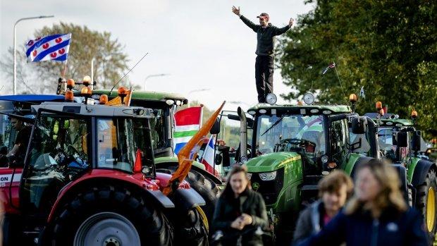 Deze agrireuzen volgen de boerenprotesten op de voet