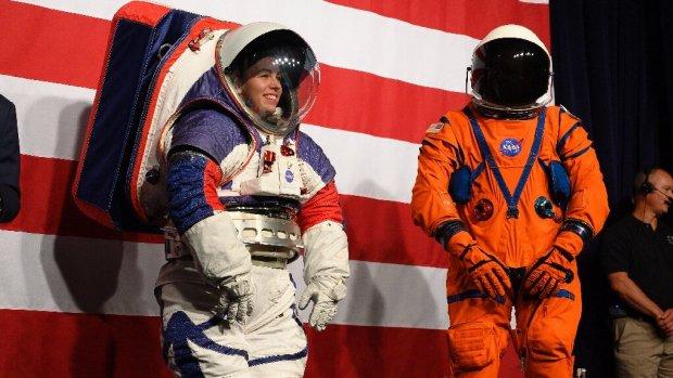 NASA onthultnieuwe ruimtepakken