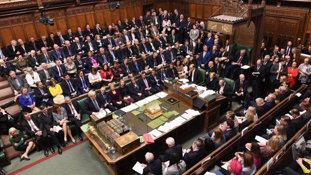 Brits parlement stelt besluit over brexitdeal uit