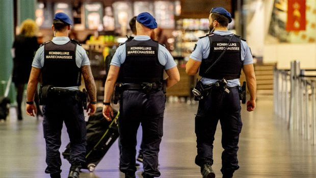 Vals kapingsalarm Schiphol brengt hulpdiensten massaal op de been