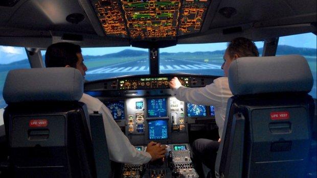 Piloot 'gekaapt' vliegtuig Schiphol liet kapingscode aan piloot in opleiding zien