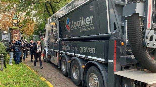 Bouwers met groot materieel op bezoek bij premier Rutte
