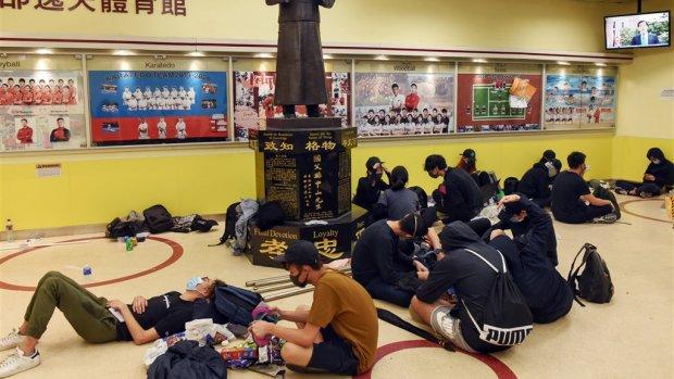 Nederlandse universiteiten roepen studenten terug uit Hongkong
