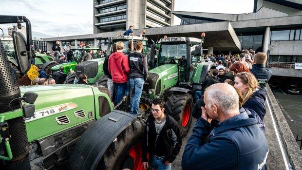 Boeren negeren ultimatum supermarkten: kerstacties gaan door