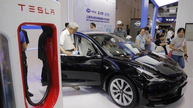 Tesla laadt Chinese auto's gratis op tijdens uitbraak coronavirus